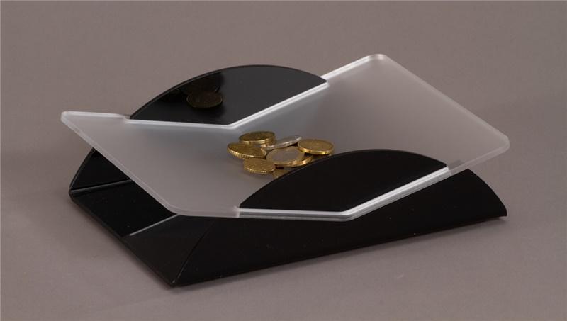 Rendiresto in plexiglass satinato e nero