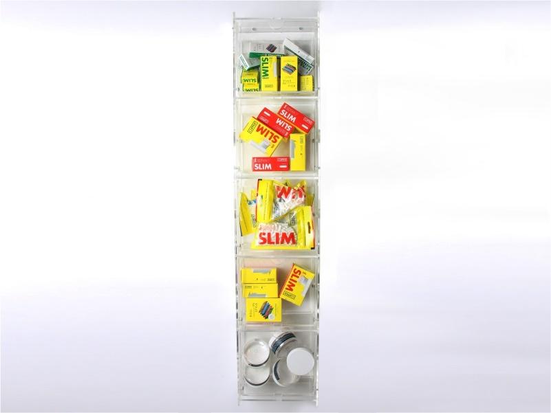 espositore da parete salvaspazio con 5 cassetti basculanti