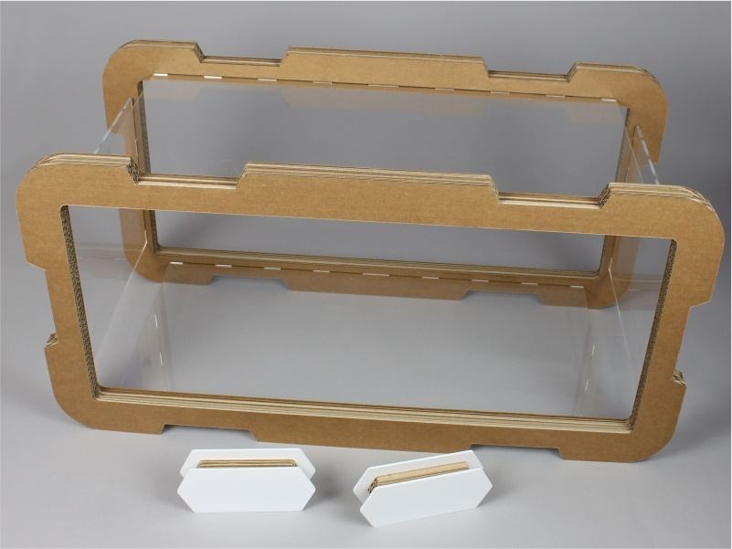 Modulo espositivo in plexiglass e cartone
