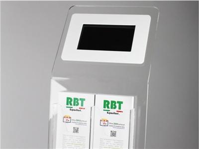 espositore da terra con 2 tasche porta depliant e schermo digitale