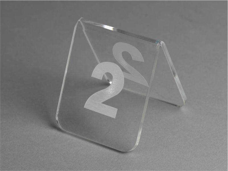 Segnaposti da tavolo in plexiglass trasparente con incisione
